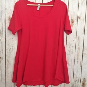 LuLaRoe Tops - LuLaRoe solid red perfect tee